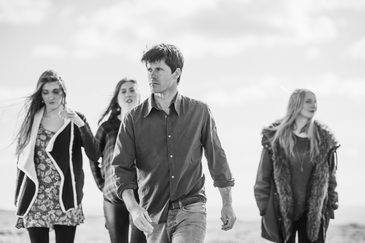 Acclaimed UK Troubadour Seth Lakeman Teams With Producer Ethan Johns (Kings of Leon, Paul McCartney) For Rugged, Impassioned New Album Ballads Of The Broken Few Sept 16